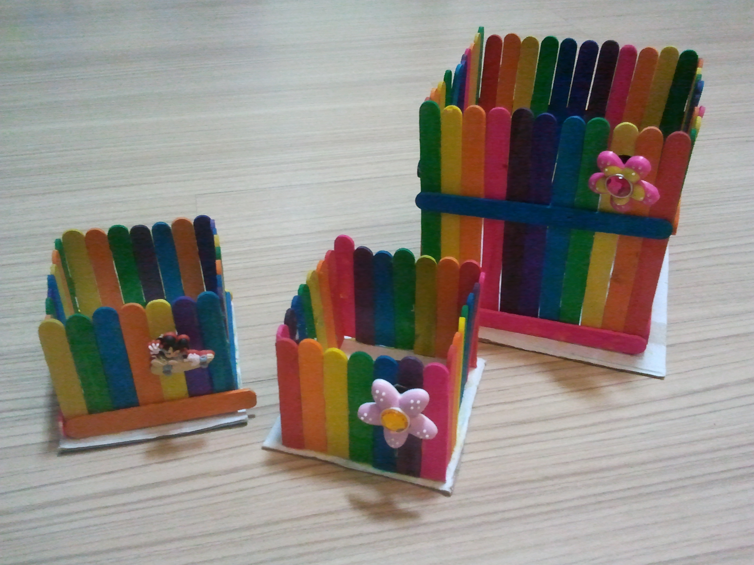 Simple art and craft rainbow box kids 39 r 39 simple for Craft by waste things