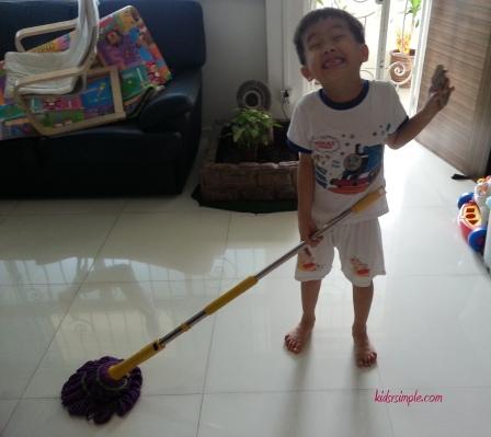 YH doing house chore