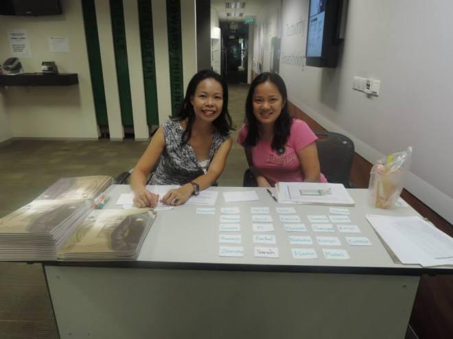Registration ladies: Meiling and Winnie