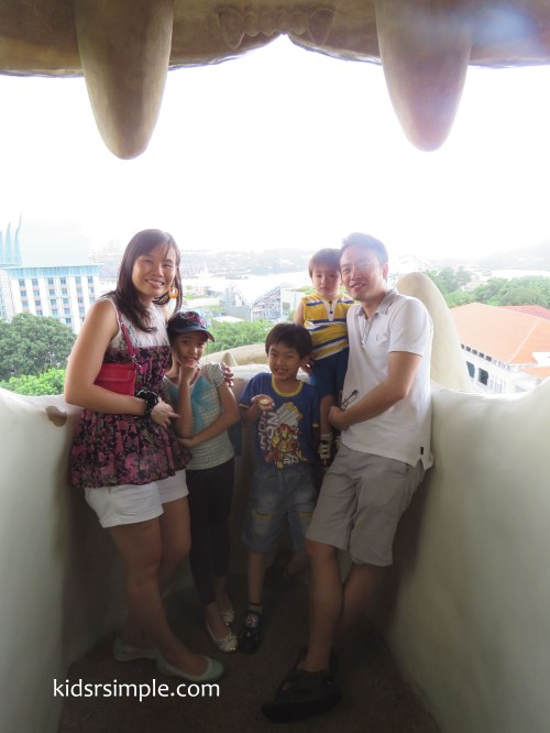 Our family Portrait at Merlion (taken with PowerShot SX60HS)