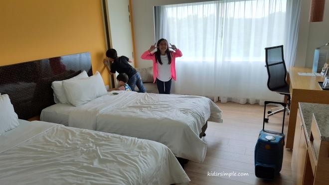 Deluxe 2 Single Bed Room
